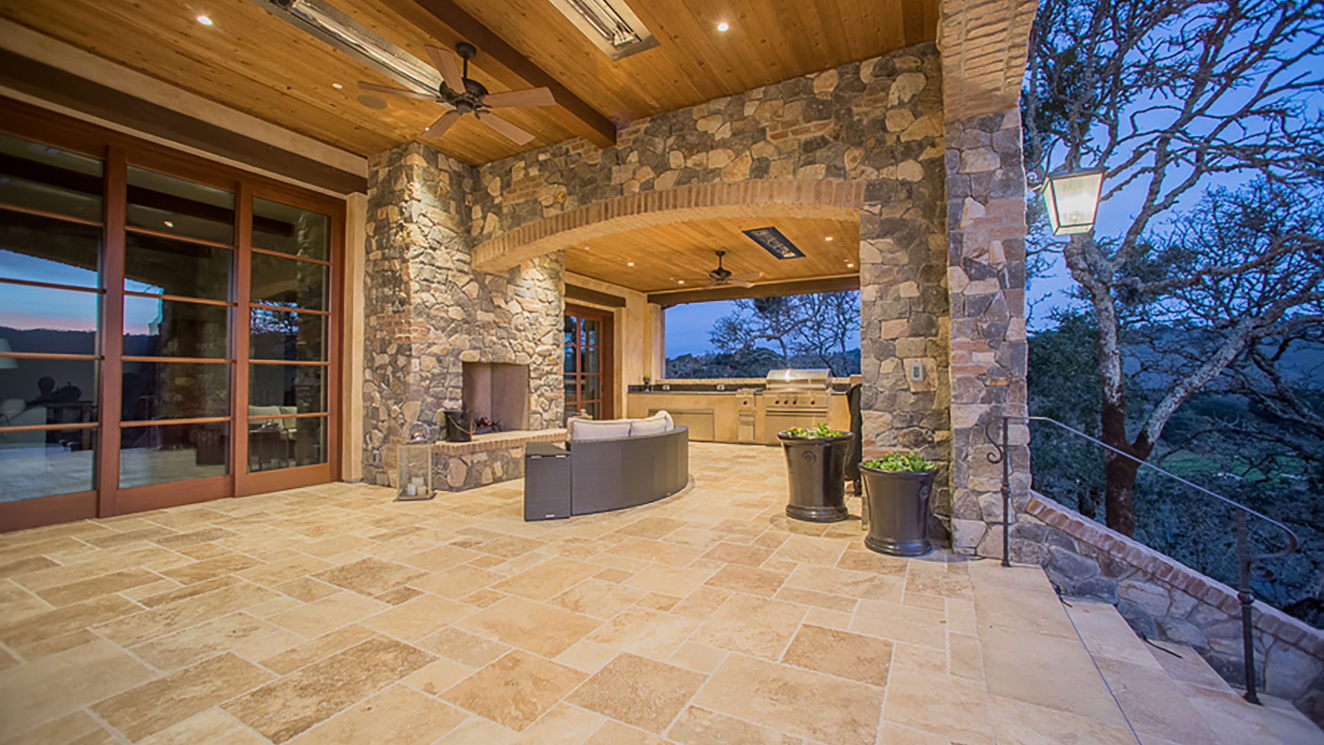 MCI Masonry Outdoor Fireplace